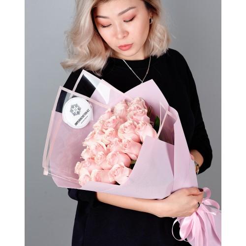 Купить на заказ Букет из 25 розовых роз с доставкой в Аксае